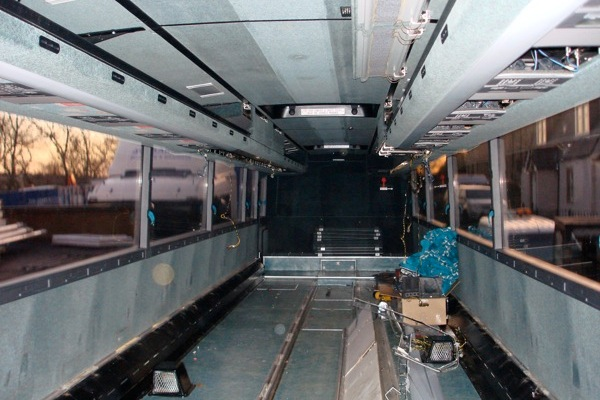 Gorilla_Fabricaiton_RedBull_Sports_Transformer_bus_original_inside